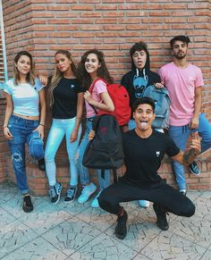 DosogasTeam A Team, Youtubers, Squad, Bff, Fandoms, My Favorite Things, Couple Photos, Photography, Inspiration