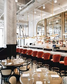 French interior design is a refined interior design style. It is often used to create a luxury modern decor in the contemporary restaurants! Take a look at these French restaurant interior design projects for decor inspirations! French Interior Design, Interior Design Minimalist, Commercial Interior Design, Decor Interior Design, Interior Decorating, Decorating Ideas, Decorating Websites, Luxury Interior, Design Websites