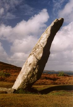 Ancient Digger Archaeology: Historical Isles of Scilly- Old Man of Gugh - Isles of Scilly Statues, Stone Cairns, Ancient Art, Ancient History, Cornwall England, Stonehenge, Land Art, Island Life, British Isles
