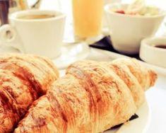 Croissants allégés : http://www.fourchette-et-bikini.fr/recettes/recettes-minceur/croissants-alleges.html