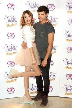 violetta y diego Violetta Outfits, Disney Shows, Skater Skirt, My Love, Google, Fashion, Concert, Life, Happiness
