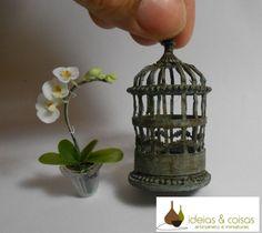 Idéias & Coisas -cutest little bird cage tutorial! Made from cardboard.