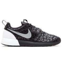 new products c0586 05304 Nike Roshe Run, Black Nikes, Nike Shoes, Sneakers Nike, Nike Women,