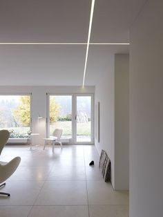 Bitterli House by Roger Stüssi Cove Lighting, Linear Lighting, Strip Lighting, Contemporary Interior Design, Office Interior Design, Strip Led, Blitz Design, Interior Led Lights, Ceiling Light Design