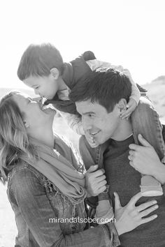 Fort Collins lifestyle family photography , Miranda L. Sober Photography | Denver family photographer | traveling photographer available nationwide | www.mirandalsober.com | parents and son photo inspiration | maternity photography ideas