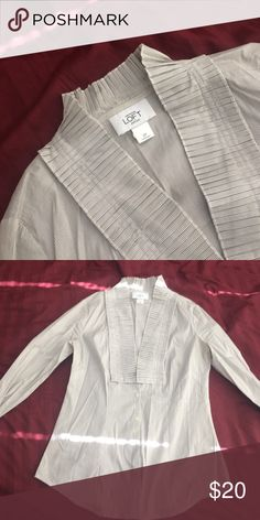 Long sleeve business casual blouse Ann Taylor Loft | size 2 petite | 72% cotton 22% nylon 6% spandex | worn but still in great condition | has a great stretch to it, very business casual | Ann Taylor Tops Button Down Shirts