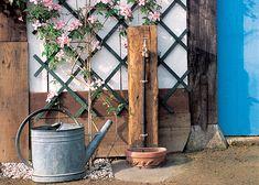 Doté d'une fontaine et d'une vasque, ce robinet vous permettra d'avoir l'eau courante dans votre jardin. Des raccords à l'étanchéité : toutes les étape...