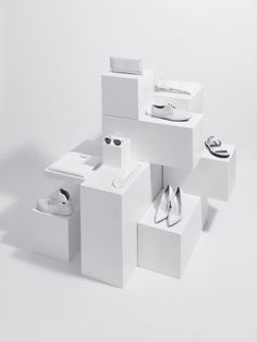 Wallpaper magazine 1 Source by elmoyang I do not take credit for the images in this post. Design Set, Design Display, Shoe Display, Stand Design, Booth Design, Jewellery Display, Display Boxes, Boutique Interior, Decoration Vitrine