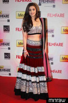 Alia bhatt dark red lehenga with pink dupatta