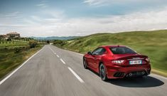 The Maserati GranTurismo luxury sports car combines technology and design. Find more information about versions and specifications on the official Maserati website. Porsche 911 Gt2 Rs, Maserati Granturismo, Ferrari, Hydraulic Steering, Ford, Limited Slip Differential, Rear View, Side View