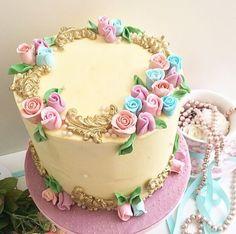 Buttercream Chic cake