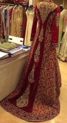 New Indian Bridal Dress Red Wedding Dressses Walima Ideas Pakistani Wedding Dresses, Pakistani Outfits, Indian Dresses, Indian Outfits, Pakistani Couture, Asian Wedding Dress, Asian Bridal, Red Wedding, Style Fête