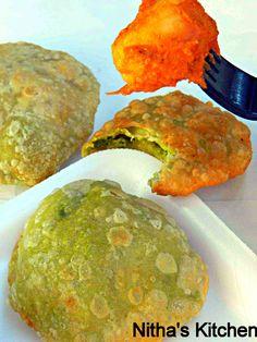Green Peas Stuffed Kachori with Aloo dum masala - Nitha Kitchen Indian Snacks, Indian Food Recipes, Puri Recipes, Kitchen Recipes, Cooking Recipes, Desi Food, Evening Snacks, India Food, Savory Snacks