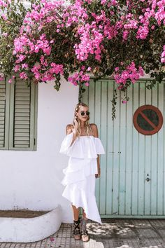 Ibiza_All_white_MiuMiu_ballerinas_Chloe_Drew_ohhcouture_ - 2 - leonie hanne – haute couture Ballerinas, Europe Outfits, Travel Outfits, Ohh Couture, Chloe, Lace Up Ballet Flats, Romantic Girl, Travel Clothes Women, Street Style Summer