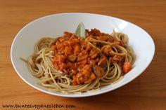 Eine große Portion Nudeln mit Bolognese landete mittags bei Natalie auf dem Tisch - das wäre genau mein Geschmack!