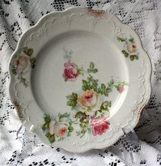 images of vintage rose patterned china - Bing images Vintage Dinnerware, Vintage Plates, Vintage Dishes, Vintage Kitchen, China Plates, Plates And Bowls, Antique China, Vintage China, Vintage Pottery