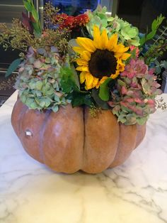 My Tablescape Muse: Fall Pumpkin Centerpiece and Tablescape from Vignette Design