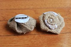 Burlap Brooch with Lace Pack) Twine Flowers, Burlap Flowers, Boutonnieres, Brooches, Baby Shoes, Wedding Ideas, Lace, Projects, Crafts