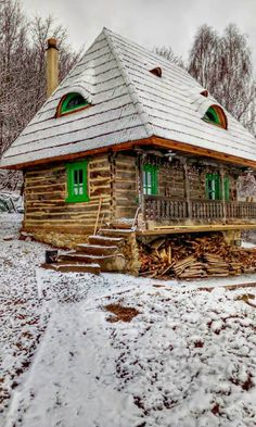 A restaurat trei case maramureșene și a construit un colț de rai într-un sat din Alba – Fabrika de Case Traditional House, Traditional Design, Home Design Diy, House Design, Beautiful Places To Visit, Beautiful Homes, Log Homes Exterior, Visit Romania, European House
