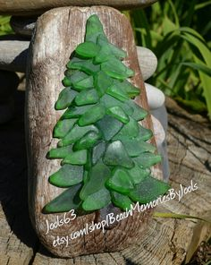 Beach glass , beach glass art, seaglassart, sea glass art, glass tree , Christmas tree, glass tree, Christmas decor, driftwood art, etsy , beach decor, beach art, glass art, Christmas art, Christmas ornament
