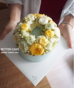 Done by student of Better class (베러 정규클래스/Regular class) www.better-cakes.com . Inquiry : bettercakes@naver.com #buttercream#cake#베이킹#baking#bettercake#like#버터크림케익#베러케이크#koreanbuttercream#flowers#꽃#sweet#플라워케이크#foodporn#birthday#wedding#디저트#bettercake#dessert#버터크림플라워케익#follow#food#koreancake#beautiful#flowerstagram#instacake#공방#꽃스타그램#베이킹클래스#instafood