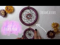 Atrapasueños // Dreamcatcher how-to Creative Crafts, Diy And Crafts, Macrame Tutorial, Diy Hacks, String Art, Diy For Kids, Dream Catcher, Decoupage, Cool Things To Buy