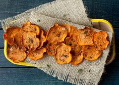 sweet potato baked chips w/ thyme