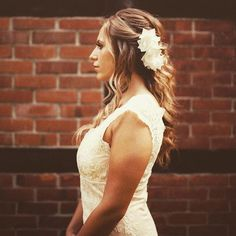 Silk hair flower COLETTE ♡ elegant headpiece with delicate blossoms made of wild silk. Embellishes every bridal updo!⠀ Photo @myfunkywedding * Beautiful BridalDress @mona_berg * Model @sophiericardo ⠀