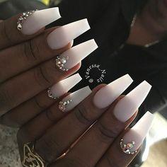 Nail idea 29 white coffin nails, acrylic nails coffin c. Acrylic Nails Coffin Matte, White Coffin Nails, Matte White Nails, Coffin Acrylics, Classy Nails, Trendy Nails, Diamond Nails, Nails With Diamonds, Manicure E Pedicure