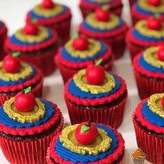 Cupcakes com maçã a para festa Branca de Neve #nickcakes #docesdecorados #docespersonalizados #docesbh #festapersonalizada #festabrancadeneve #brancadeneve #snowwhite #kidsparty #festamenina #beautiful #socute #delicious #sweet #disney #cupcakes #cupcakesdecorados #cupcakesbrancadeneve #docesbhburitis #festabrancadenevebh #cupcakespersonalizados #confeitariaartistica #confeitariaartisticabh