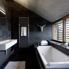 wandpaneele mit fotomotiv taucher und schwarze fliesen ... - Badezimmer Ideen Dachgeschoss