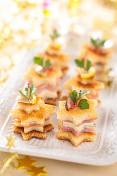 46 Ideas Brunch Appetizers Finger Foods Ham And Cheese For 2019 - Best finger food list Christmas Brunch, Christmas Breakfast, Christmas Appetizers, Brunch Appetizers, Finger Food Appetizers, Appetizer Recipes, Salmon Appetizer, Toast Noel, Tapas