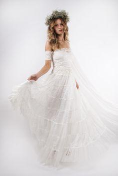 Beauty finds we love xx www.graceloveslace.com.au #wedding #flowercrown #weddingwreaths #florals #bohemianbride