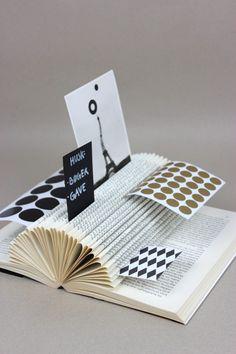 folded book card holder :: bog-ide.dk