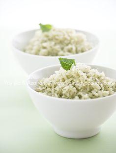 Arroz Verde: Arroz jazmín con pesto de menta/ Green rice: Jasmine rice with mint pesto