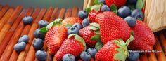 A Mix Basket Of Fruits Summer Berries Strawberry And Blackberry Food Wallpaper Summer Berries, Red Berries, Summer Fruit, Healthy Summer, All Fruits, Fruits And Veggies, Wallpaper Food, Artistic Wallpaper, Cream Wallpaper