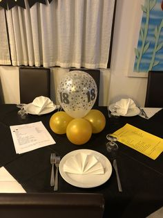 Compleanno 18 anni Table Decorations, Furniture, Home Decor, Decoration Home, Room Decor, Home Furniture, Interior Design, Home Interiors, Interior Decorating