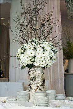 tree trunk and white flowers elena-s-wedding-winter-ideas Winter Wedding Centerpieces, Winter Wedding Flowers, Wedding Table Flowers, Wedding Decorations, Decor Wedding, Birch Centerpieces, Wedding Ideas, Centerpiece Ideas, Wedding Bouquet