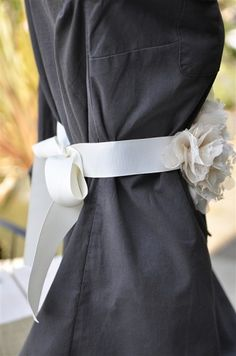 Flower Belt Tutorial -- use as a sash. I think I just saved myself $40 gonna attempt this for the Memorial!