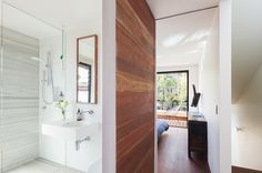 Stukel Stone_ Architecture_Splice House: pretty and light bathroom