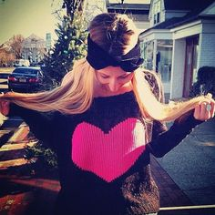 Heart jumper in black and hot pink