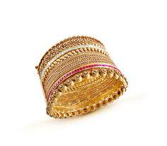 gold bangle design, designer gold bangle