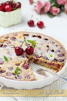 Clafoutis alle ciliegie un dolce francese buonissimo, cremoso e profumato. Una ricetta facile e veloce da preparare, perfetta per ogni occasione.