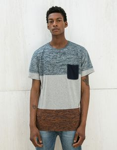 T-shirt riscas detalhe bolso e abertura lateral - T-shirts - Bershka Portugal