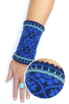 """""""ARETHA"""" - Fingerlose Handschuhe von Strickkönigin auf DaWanda.com Mittens Pattern, Knit Mittens, Knitted Gloves, Crochet Pattern, Knit Crochet, Craft Patterns, Knitting Patterns, Fingerless Mitts, Fair Isle Pattern"""