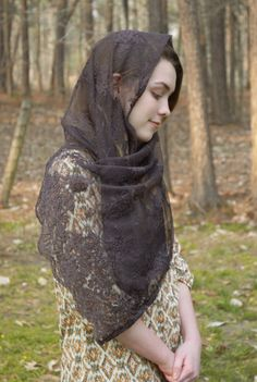 Catholic Chapel Veil Brown Lace Head Scarf Vintage Chantilly Church Traditional Latin Mass Cover Mantilla