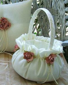 pretty flower girl basket and ring pillow Decoration Shabby, Basket Decoration, Ring Pillows, Ring Pillow Wedding, Flower Girl Basket, Ribbon Embroidery, Fabric Flowers, Wedding Accessories, Wedding Gifts
