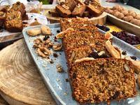 Nutri - life: Κέικ βρώμης με μήλα και σταφίδες. :: Zlifetimes Sweet Recipes, Cake Recipes, Sweet Pie, Yummy Cakes, Banana Bread, Healthy Snacks, Oatmeal, Sweets, Baking