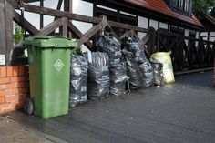 9 lutego w Urzędzie Miasta Ustka odbędą się konsultacje dotyczące gospodarowania odpadami komunalnymi pochodzącymi z nieruchomości niemieszkalnych. #ustka24info