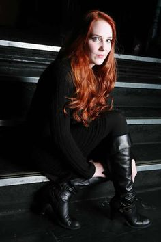 La metalera mas bella Simone Simons